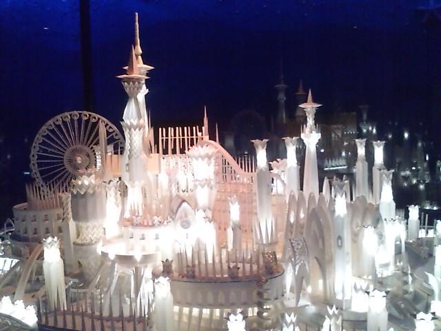 紙のお城…