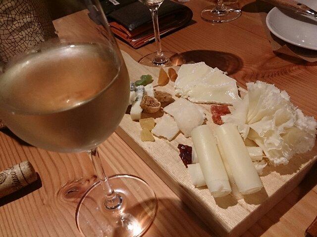 白にチーズ